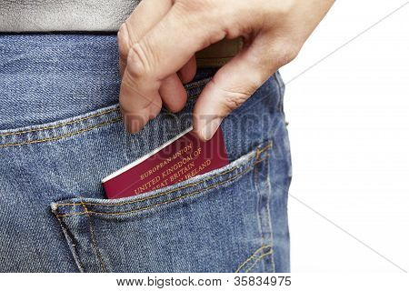 Pickpocket stealing a mans wallet
