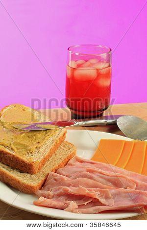 Making Ham Sandwich