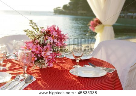 table center piece. wedding table decoration