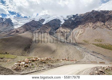 Road turn to Barskoon pass. Kirgizstan
