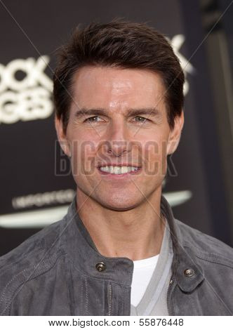 LOS ANGELES - JUN 08:  TOM CRUISE arrives to the