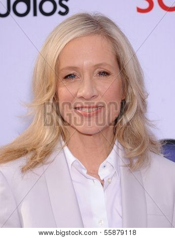 LOS ANGELES - MAY 16:  Betsy Beers arrives to the