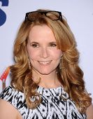 LOS ANGELES - MAY 03:  Lea Thompson arrives to the Race To Erase MS 2013  on May 03, 2013 in Century