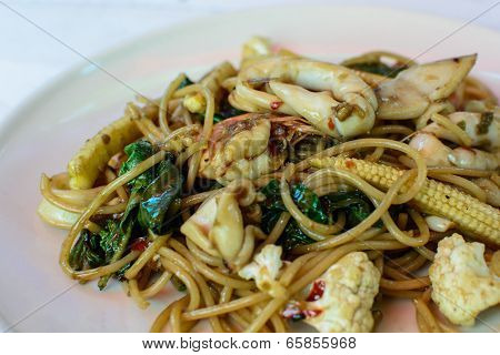 Spaghetti With Spicy Prawn (spaghetti Kee Mao Goong)