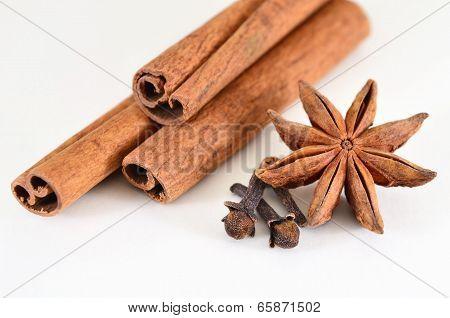 Cinnamon Sticks, Star Anise And Cloves (spices)
