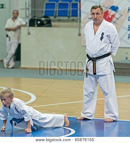 Competition Karatekas At The Qualification Exam.