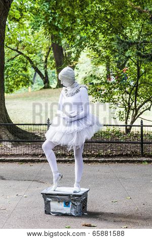 Woman Dressed As A Ballet Dancer Collects Money For Amnesty International