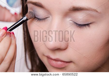Beautiful Girl Paint Eyelids