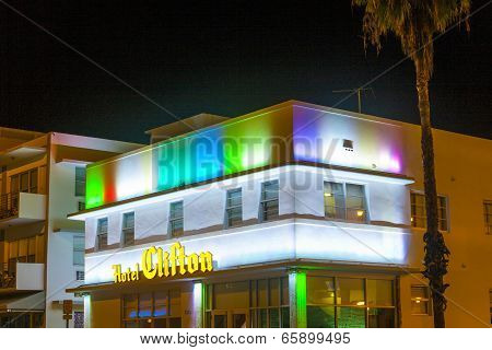 Hotel The Clifton In South Beach By Night