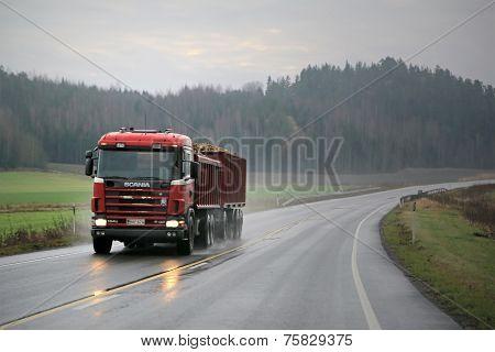 Scania 164G 480 Trailer Truck Hauls Sugar Beet