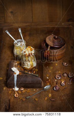 Vanilla Ice Cream With Honey