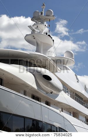Luxury Motor Yacht '' Mayan Queen IV''