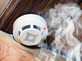 pic of unsafe  - Smoke detector - JPG