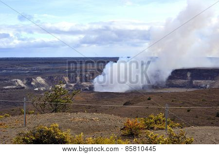 Erupting crater, Hawaii Volcanoes Park