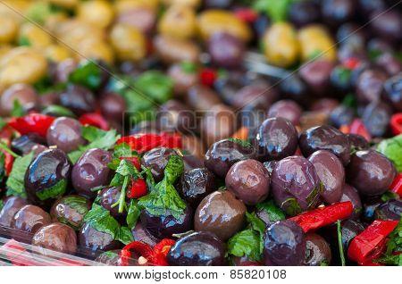 Seasoned Black Olives
