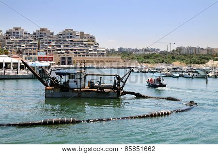 Dredge In The Sea