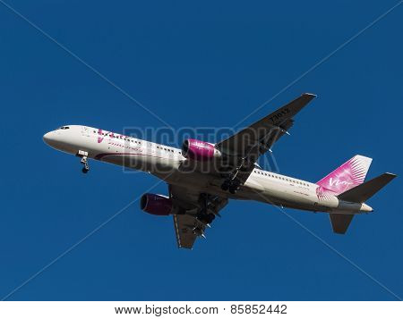 Plane Boeing 757-200, Vim Airlines