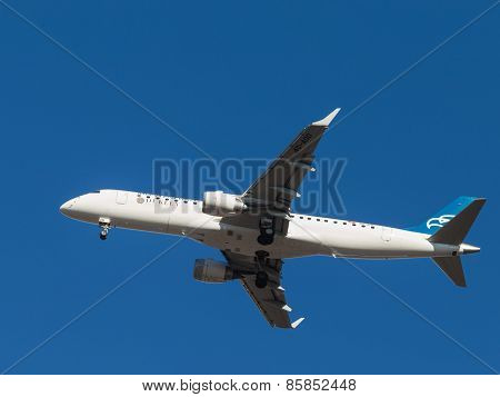 Plane Embraer Erj-190Lr, Montenegro Airlines