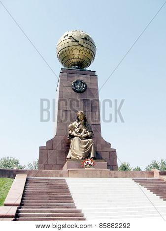 Tashkent The Happy Mother Monument 2007