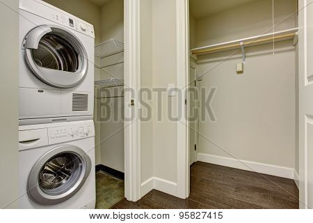 Nice Laundry Room With Washer And Dryer.