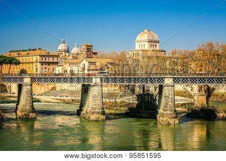 Ponte Palatino over Tiber in Rome