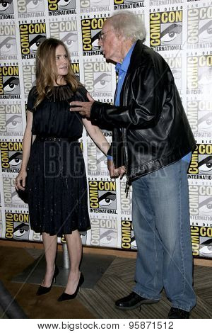 SAN DIEGO - JUL 11:  Jennifer Jason Leigh, Bruce Dern at the