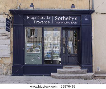 Real Estate Agency In Avignon France