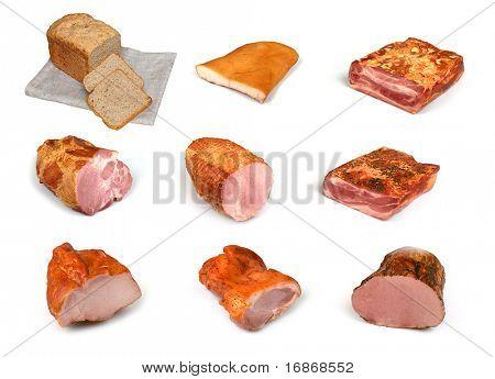 Colección de carne y pan sobre fondo blanco
