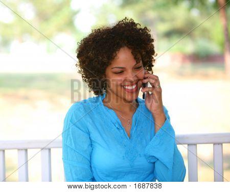 Chica de teléfono celular