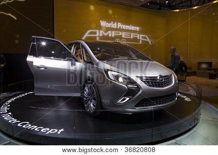 Opel Zafira Tourer conceito