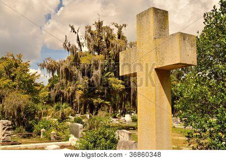 Cross at Bonaventure Cemetery