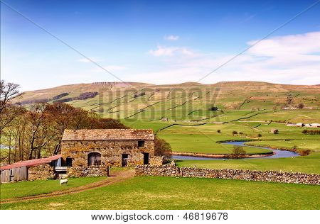 Barn near River Ure in the Yorkshire Dales