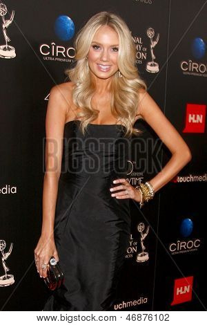 LOS ANGELES - JUN 16:  Melissa Ordway arrives at the 40th Daytime Emmy Awards at the Skirball Cultural Center on June 16, 2013 in Los Angeles, CA