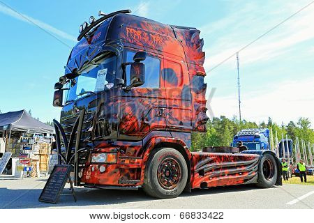 The Fear Of The Dark Heavy Truck Show Winner