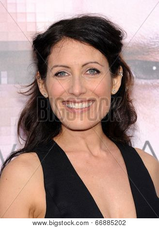 LOS ANGELES - APR 10:  Lisa Edelstein arrives to the 'Transcendence' Los Angeles Premiere  on April 10, 2014 in Westwood, CA