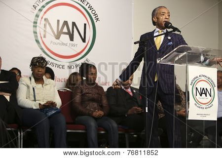Rev Al Sharpton gestures for emphasis