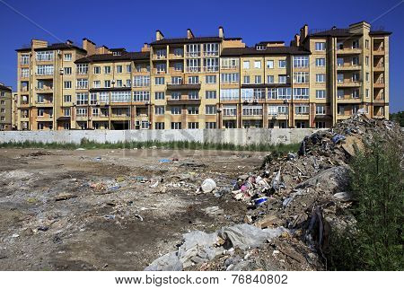Garbage dump near the elite district Stargorod in Omsk.