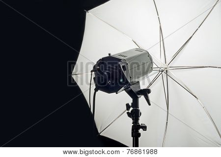 Photography Studio Flash Head With Umbrella