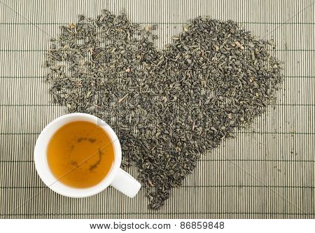 Black tea heart shape topview