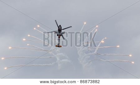 Apache Flares