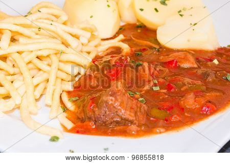 White Dish With Beef Stew