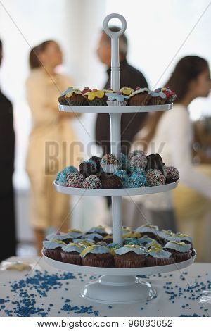 Cupcakes table