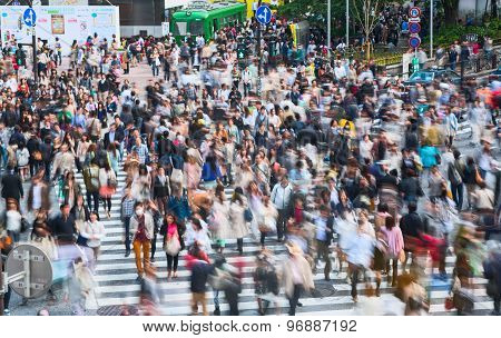 Shibuya pedestrian crossing with crowd