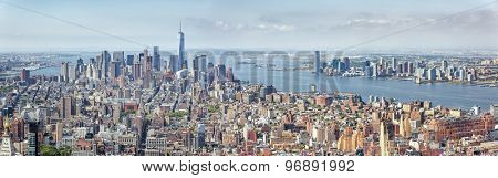 An image of the high rise buildings of new york