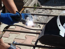 pic of welding  - welder do the welding work - JPG