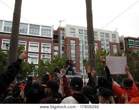 : Giants Fans Go Crazy For Cameraman On Top Of Tv Van