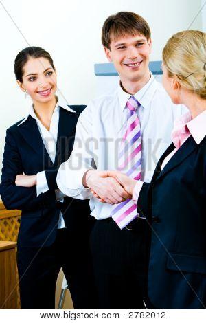 Handshake Geschäftspartner