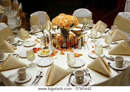Guest\'S Table