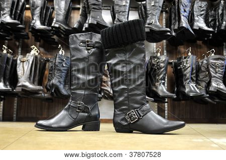 Black Female Leather Boots