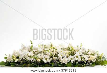 white table flower decoration